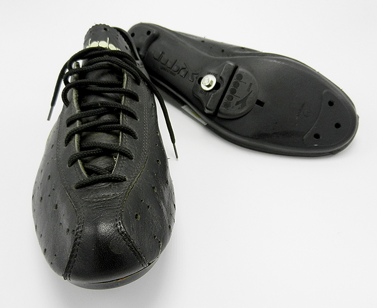 Didora lace-up size 40