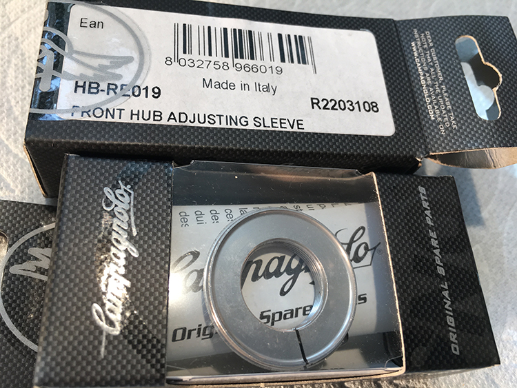Record front hub adjusting sleeve