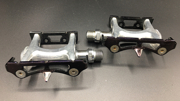 Specialized track pedals